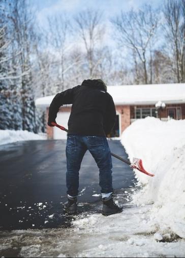 snowshovel-1-e1516820699484.jpg